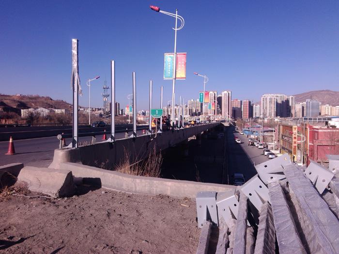 西宁市香格里拉路声屏障工程